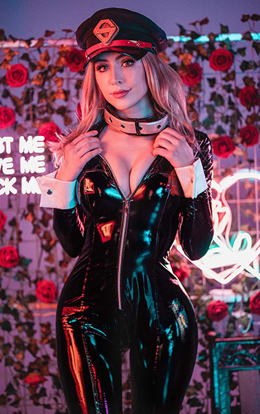 luxlo cosplay babe